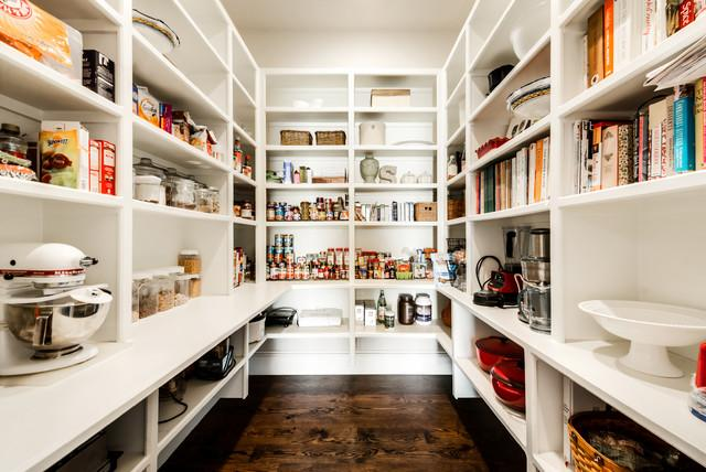 5 MUST Haves For Your Pantry